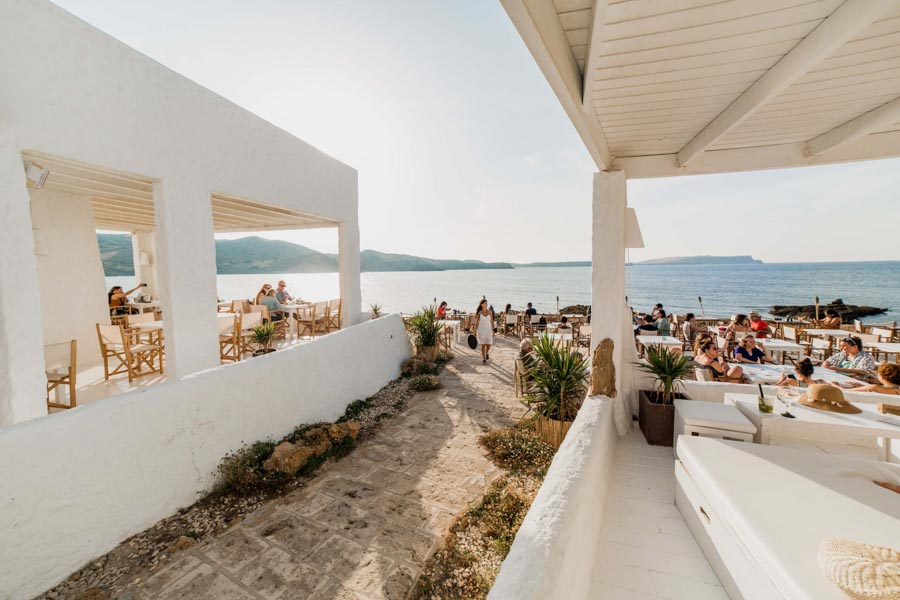 Isabella-Beach-Club-uno-de-los-mejores-restaurantes-de-menorca-shushi
