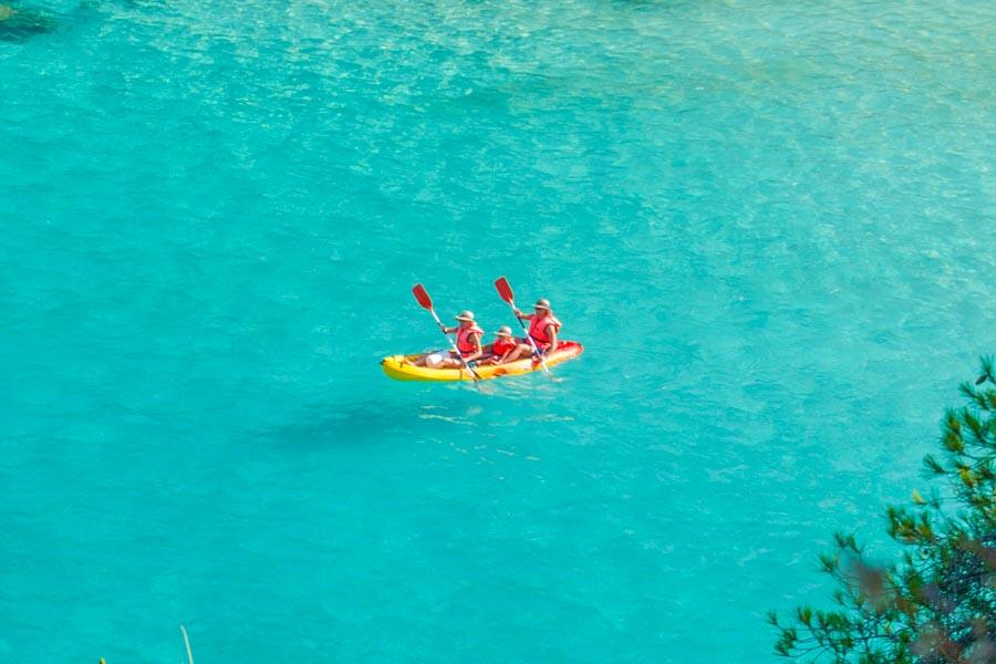 familia-excursion-kayak