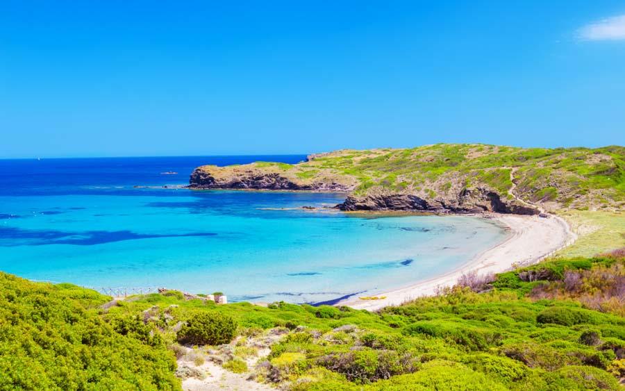 playa-cala-tortuga-una-de-las-mejores-playas-del-norte-de-Menorca