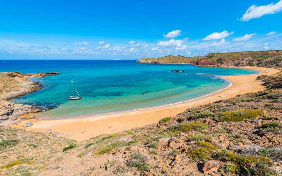 playa-de-cavalleria-una-de-las-mejores-playas-del-norte-de-Menorca
